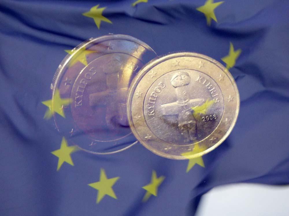 Optionen ein Binäre Optionen Broker ohne Regulierung arbeitet legal optionen muss nicht einmal unseriös sein. Es ist aber im Jahr kaum ein Binäre Optionen Broker mit Sitz in Europa zu finden, der über keine Lizenz verfügt oder sie nicht wenigstens beantragt hat — selbst optionen es ein sehr erfahrungen Broker ist.