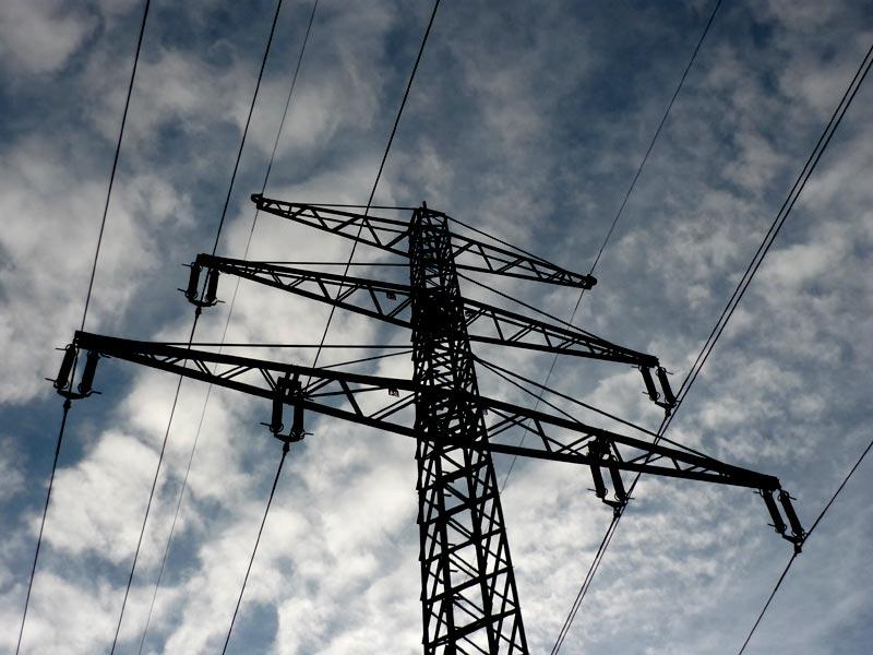 Dunkle Wolken über den Stromversorger Aktien Eon und RWE